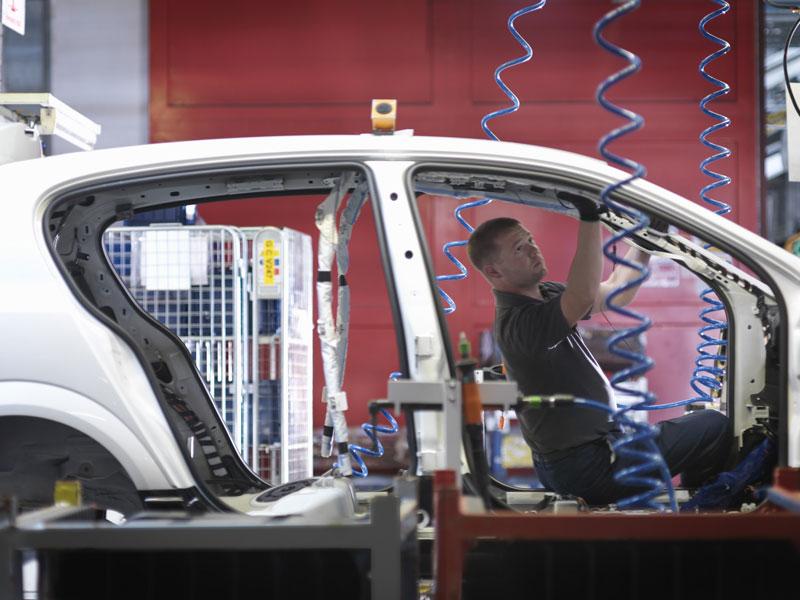 Autobauer: am Tropf des chinesischen Markts