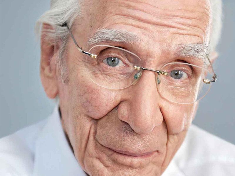 Die Bayerische: Aufklärungskampagne zur Altersvorsorge mit 100-Jährigen