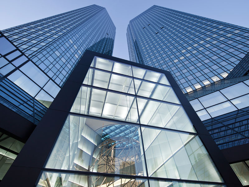 Die Deutsche Bank ordnet sich neu