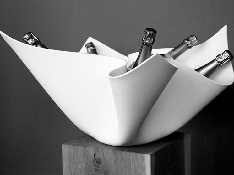 Rein, zeitlos und doch traditionell: Der DIGKdesign Champagnerkühler