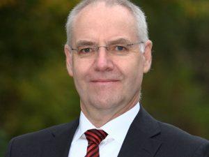 Edgar Hütten, Vorstand IT/Aktuariat/Rückversicherung