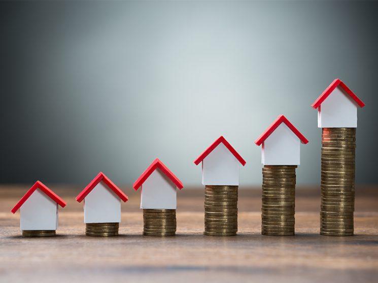Das macht Immobilien teuer: Makler, Notar, Steuern