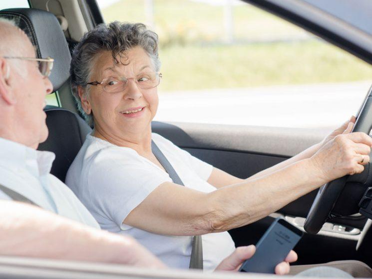 Ältere Menschen investieren in Mobilität