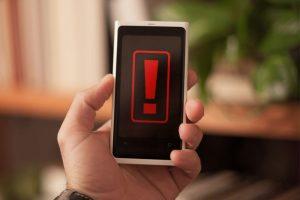 Alarm per SMS & E-Mail an Vertrauenspersonen