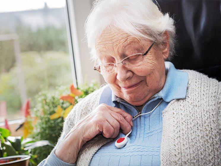 Notrufsystem: Pflegeversicherung muss anteilig Kosten tragen