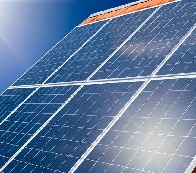 """Der """"Keine-Sorgen""""-Versicherer: die Nummer eins in Sachen Photovoltaik"""