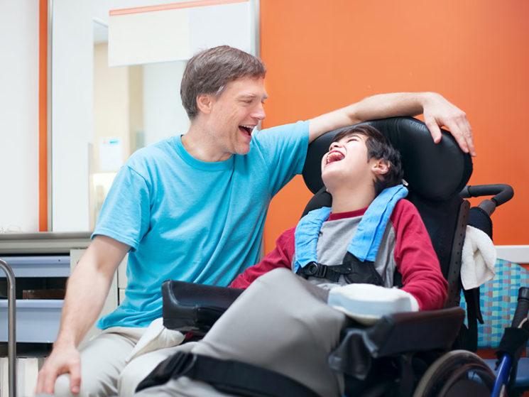 Krankenkasse muss Kosten für Schulwegbegleitung übernehmen