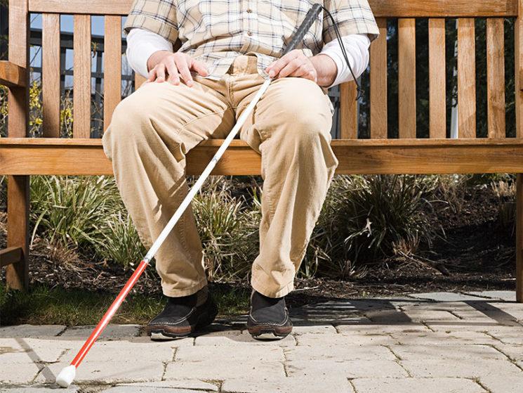 Anspruch für Blinde Versicherte auf einen Laser-Langstock