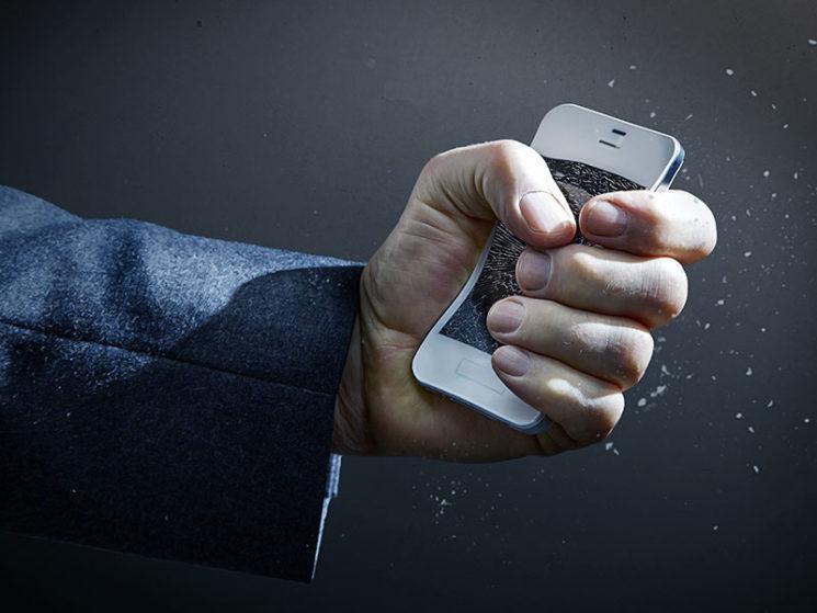 Rechtsverletzung durch Weiterleitung der Kontakte per WhatsApp