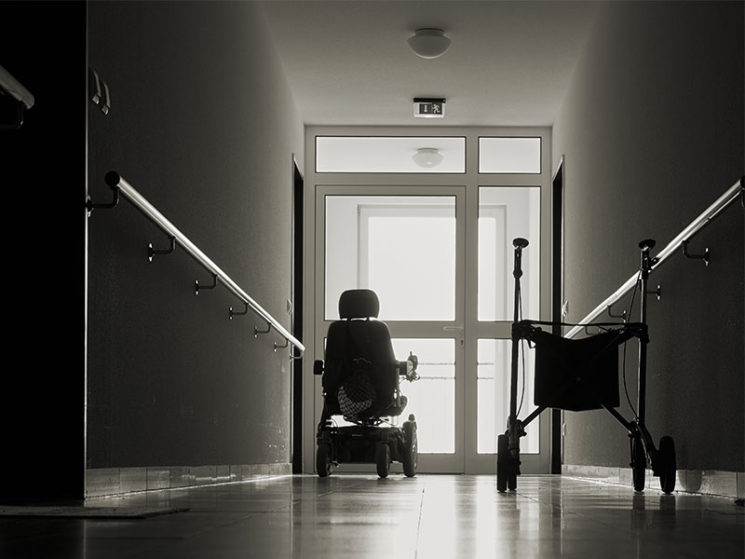 Nachtdienst Pflege: Ich allein für 50