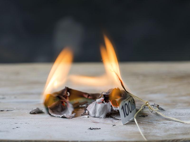 Sie verbrennen Geld