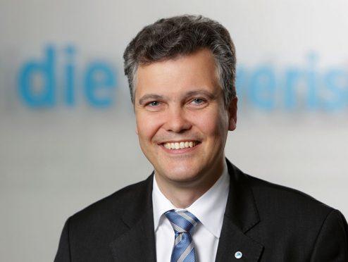 Die Bayerische: Schneidemann bleibt Vorstandsvorsitzender
