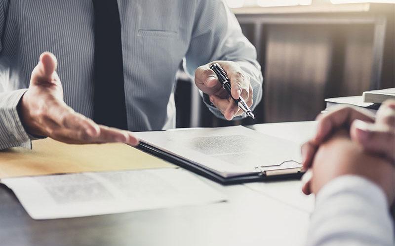 Gewerbeversicherungen: Infos online, Abschluss offline