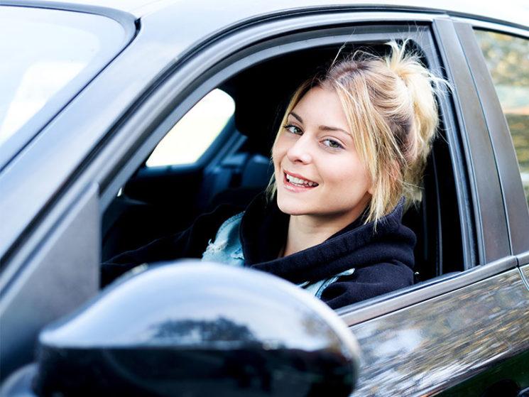Junge Autofahrer nutzen häufig Auto der Eltern