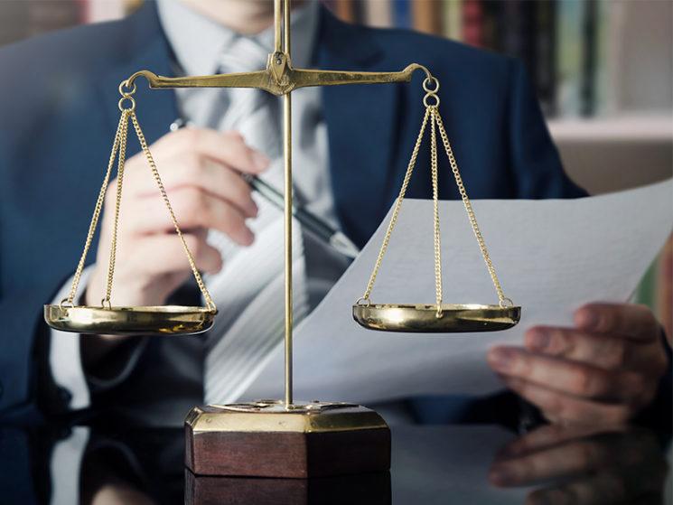 Rechtsanwalt für Anmeldung eines Schadensfalls nicht erforderlich