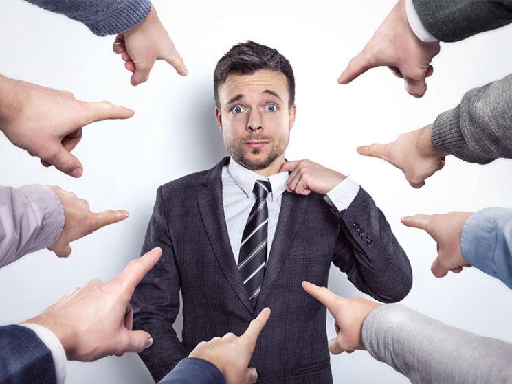Versicherungsmakler kann sich für eigene Beratung nicht auf die Belehrungen des Versicherers berufen