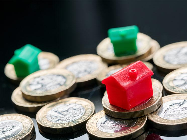Wie Banken und Versicherungen auch überteuerte Immobilien finanzieren