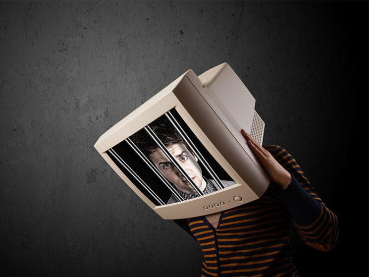 Handelt die Hälfte der Online-Versicherer rechtswidrig?