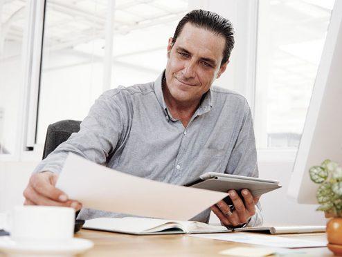 AXA: Erweiterung des Angebots für Firmenkunden um Factoring