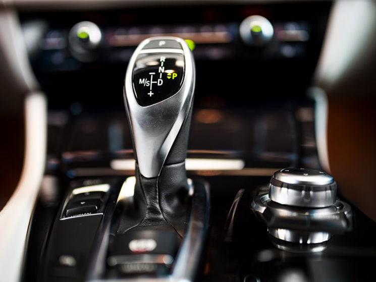 Automatikfahrzeug fährt von alleine los – Vollkaskoversicherung muss zahlen