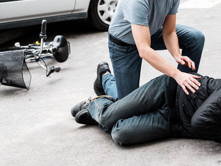 Pkw-Fahrer haftet auch für Sturz eines Radfahrers nach Ausweichmanöver