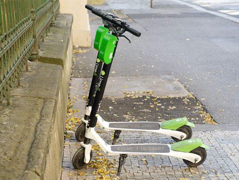 Die Bayerische bietet erste E-Scooter-Versicherung in Deutschland