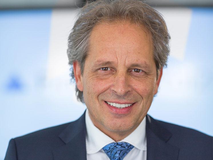 Hubertus Schmidt wird Mitglied im Defino-Gremium