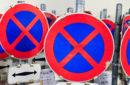 Bei mobiler Halteverbotszone muss Autofahrer Verkehrsschilder beachten