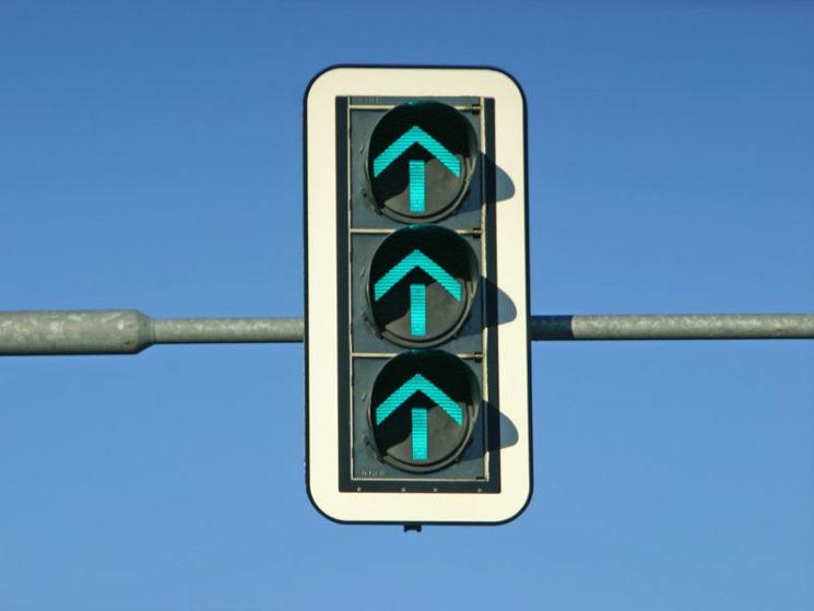 E-Autos: Was ändert sich durch Warngeräusche für Autofahrer und Passanten?