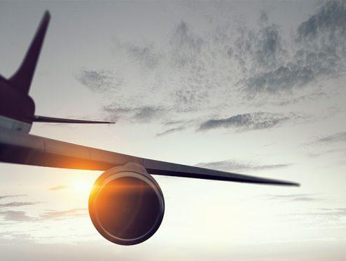 Pauschalreisen: Reiseveranstalter ist bei Flugannullierung für Kostenerstattung zuständig