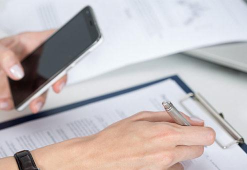 Grundfähigkeiten: Stuttgarter versichert Benutzung von Smartphones
