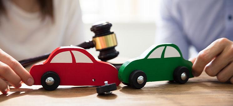 Hohes Mitverschulden bei falscher Reaktion auf Unfall