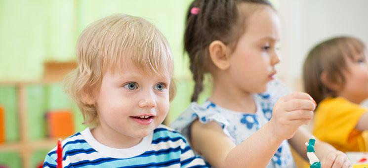 Rechtsfragen zum Coronavirus aktualisiert: Kinderbetreuung, private Veranstaltungen, Homeoffice