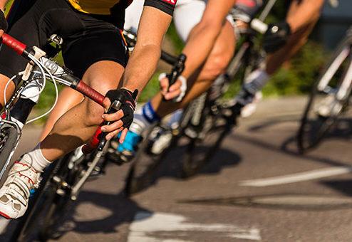 Trainingsfahrt von Radfahrern: Wer haftet bei einem Unfall?
