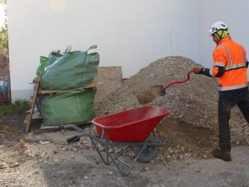 BG BAU warnt: Arbeitsschutz beim privaten Hausbau ernst nehmen