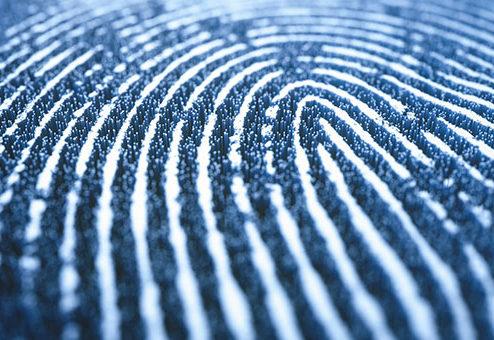 Postbank ermöglicht Online-Vertragsabschluss per Fingerabdruck