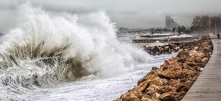 ias legt Sturmflut- und Tsunamiprogramm neu auf