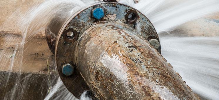 Geplatzte Rohre für Schäden in Milliardenhöhe verantwortlich