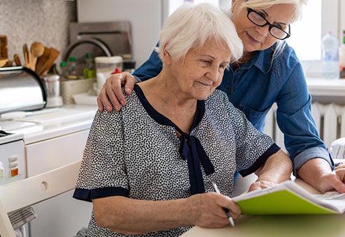 """Pflege-Report 2020: Pflegehaushalte sind """"hoch belastet"""""""