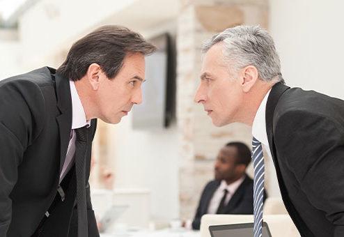 Wie gerät ein Versicherungsmakler in das Lager des Versicherers? Wann haftet ein Versicherer für das Handeln eines Versicherungsmaklers?